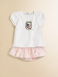 For your Dior baby, a sweet and plush tee with capped sleeves and a colorful graphic.Ribbed crewneckShort cap sleevesShoulder buttonsCottonMachine washImported