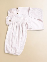 An adorable newborn essential in ultra-soft cotton jersey.Seamed crown with fold-over brimCottonMachine washImported