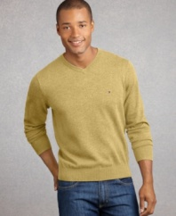 This classic V-neck with color accent goes great with jeans or chinos, t-shirts, button downs or beneath a blazer.